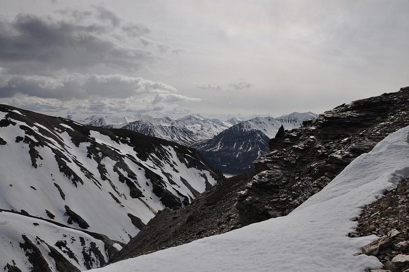 Black_Rapids_Hike,_Alaska_Range