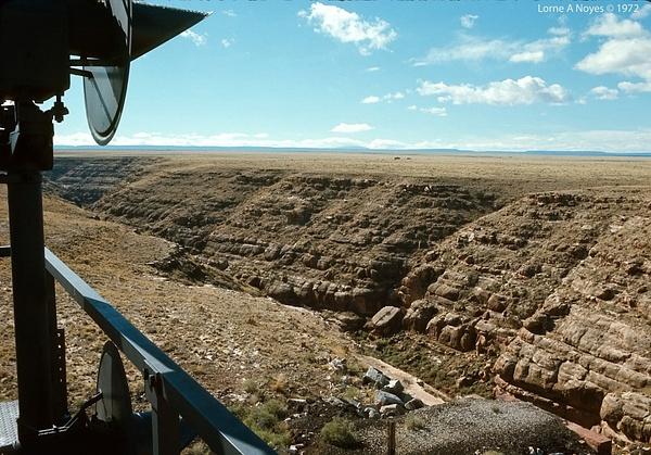 Atop Canyon Diablo signal bridge (don't do this today)...