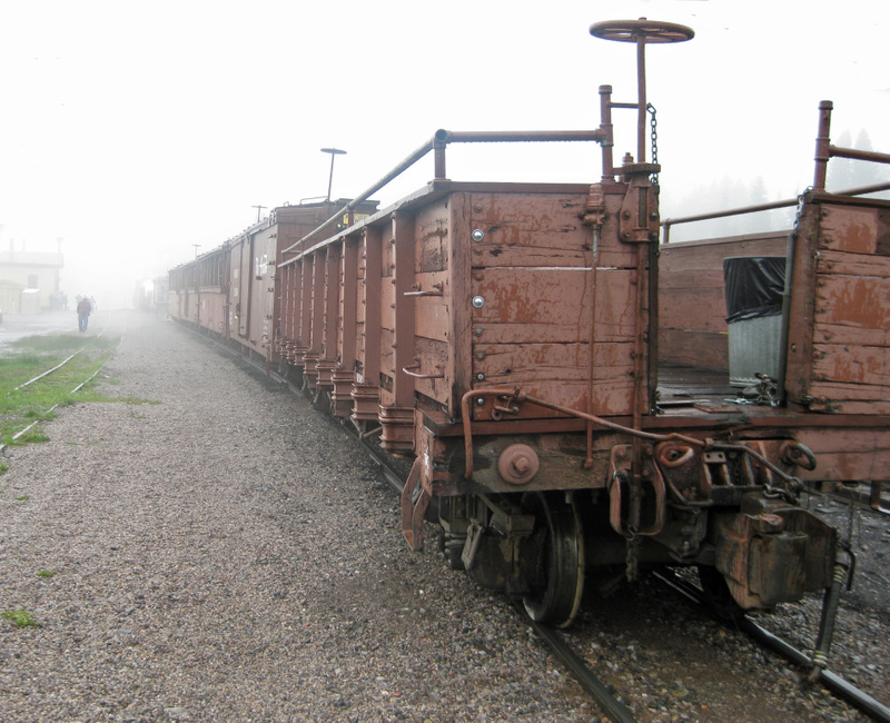 Coupling train to caboose