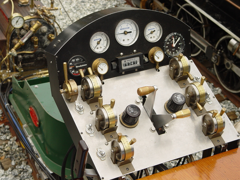 Amazing control stand for the  0-4-0 Invicta