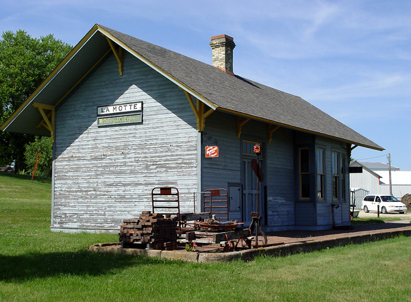 2003 La Motte, Iowa, Station Museum by ArizonaLorne