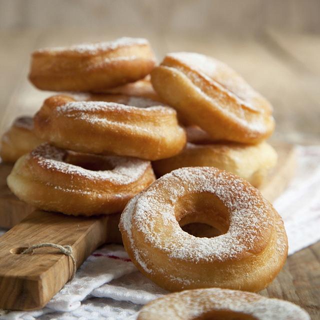 Flour_Donuts_180361585_640x