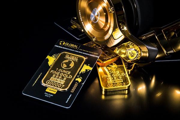 Gold is money (1) by Starkkarllois