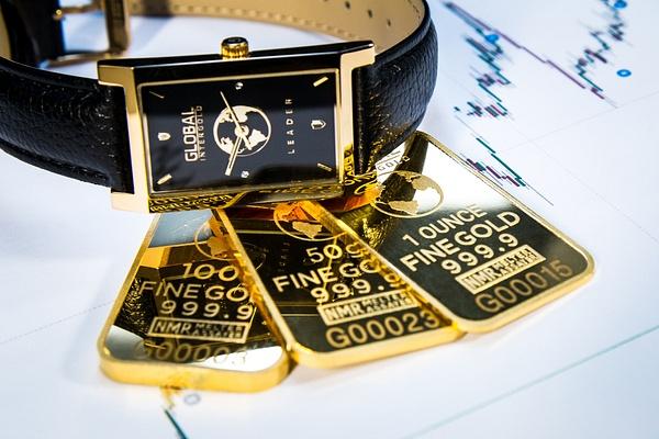 Gold is money (13) by Starkkarllois