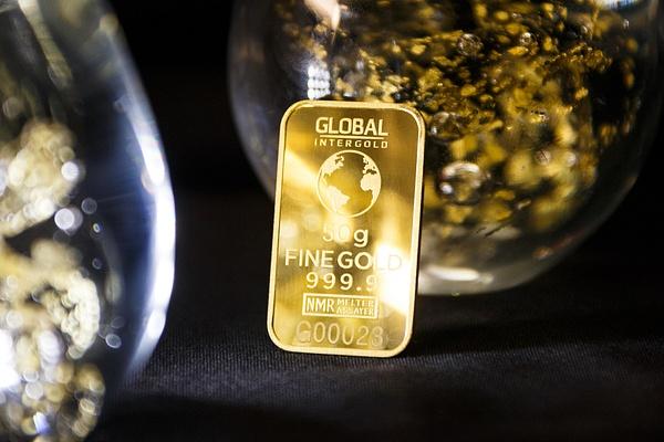 Gold is money (10) by Starkkarllois