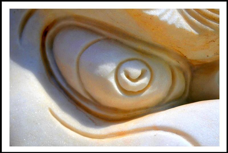 Sculture's Eye.