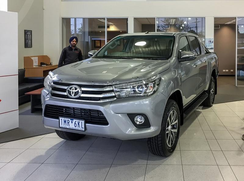 Toyota HiLux 4x4 SR5
