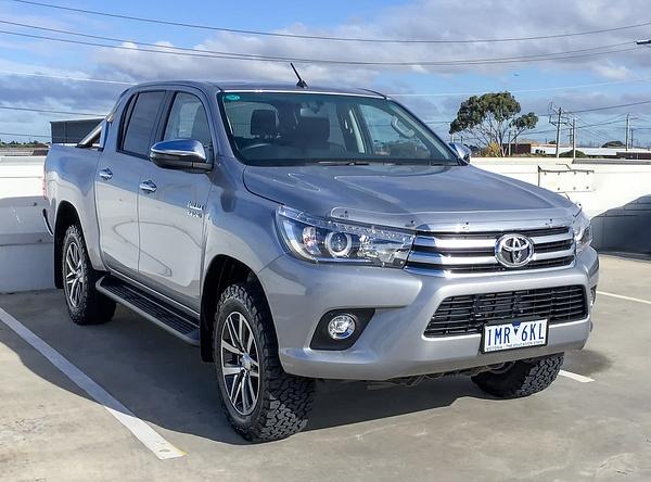 Toyota Hilux by John Torcasio