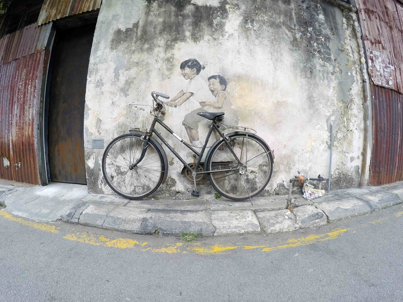 travel-street-art-penang-bycycle