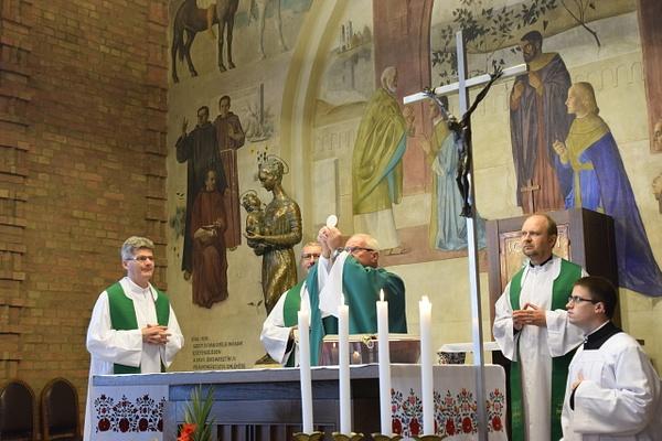 Beöltözés a szegedi szemináriumban by Szent Gellért...