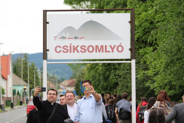 Cs+şksomly+- (3) by Szent Gellért Szeminárium