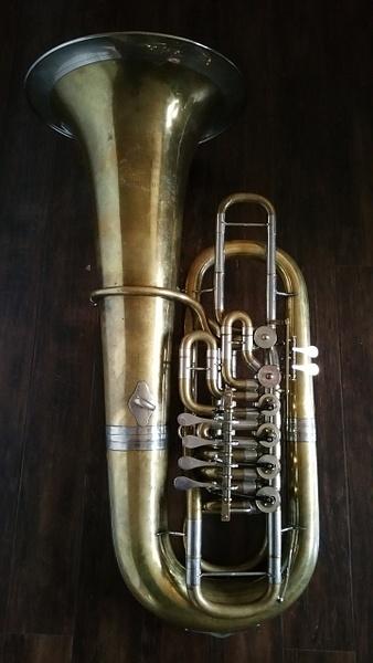 Symphonie by TheHatTuba