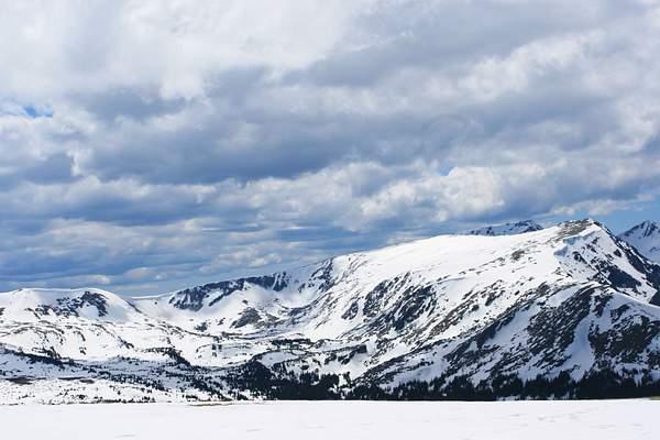 Snowy peaks of RMNP