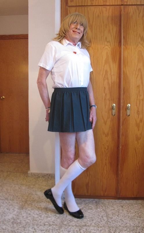 Schoolie in Green Skirt 1