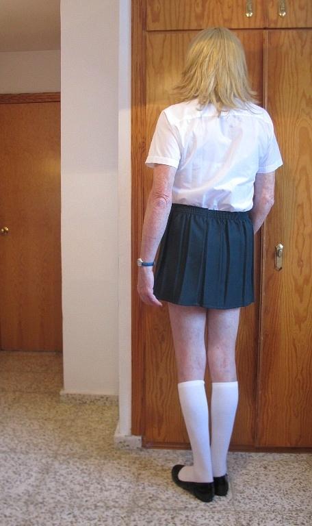 Schoolie in Green Skirt 9