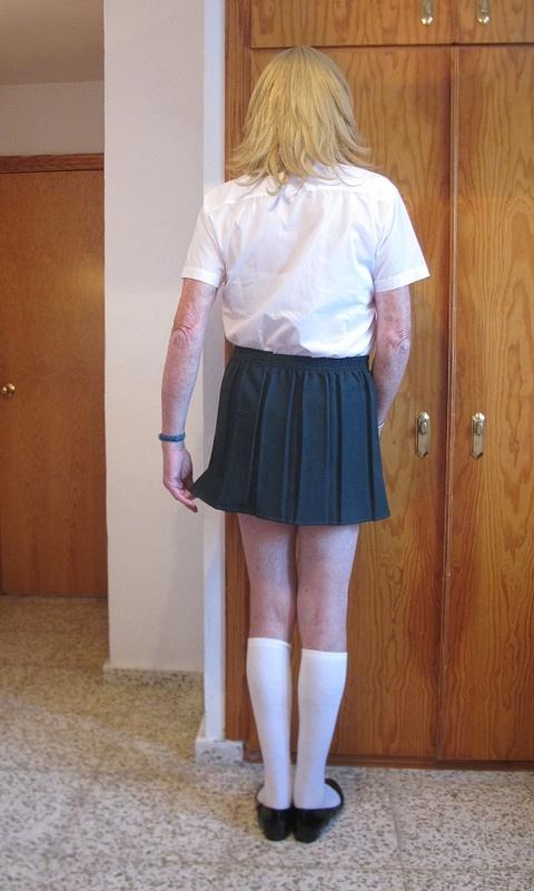 Schoolie in Green Skirt 10