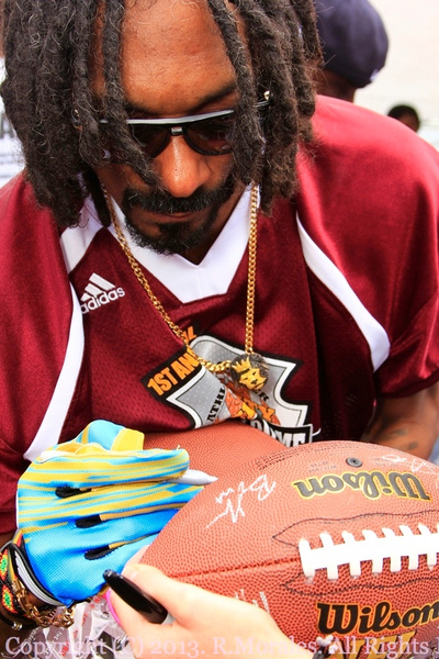 snoopsigning by RonMorales