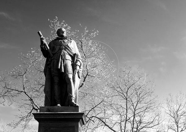 170509_edinbrugh_statue by HiddenrebelBass