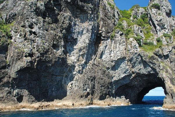 Motukokako (Hole in the Rock) by Maria Dzeshchanka
