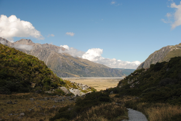 Walking to Mount Cook by Maria Dzeshchanka