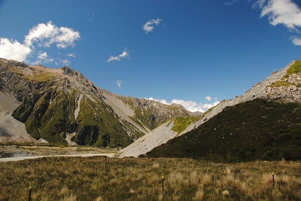 Walking to Mount Cook by Maria Dzeshchanka