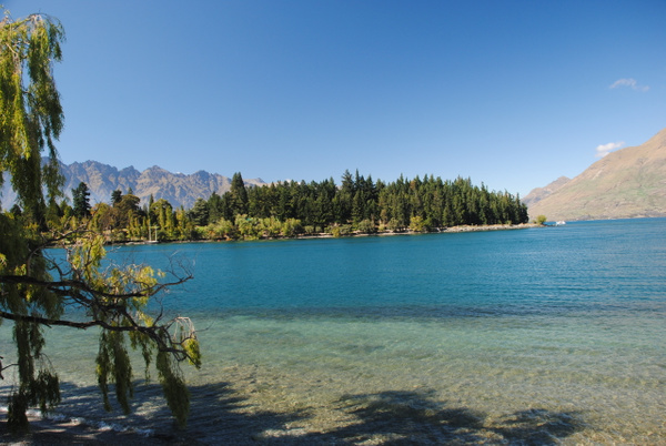 Queenstown by Maria Dzeshchanka