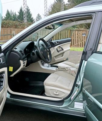 2009 Subaru Legacy Outback 2.5i  Special Edition 5-Door Wagon AWD