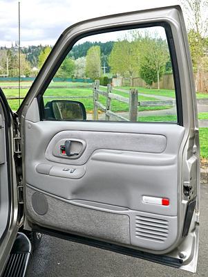 1999 ChevroletSuburban 1500 LT Model Sport Utility 4-Door