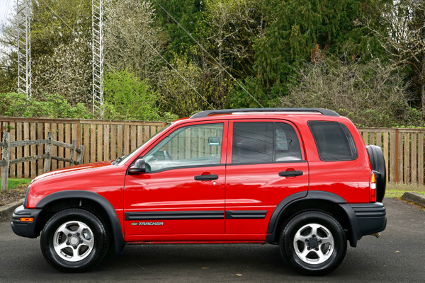 2004 Chevrolet Tracker ZR2 4X4 Sport Utility 4-Door...