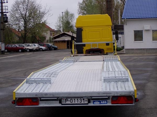 Jármű-munkagép szállító by HevesPonyvaKft