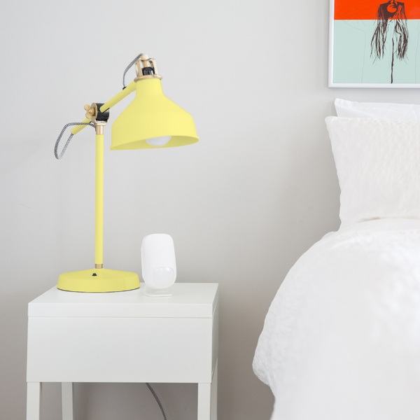 Ooma_Q2_Story2_MotionSensor_4C_YellowLamp by...