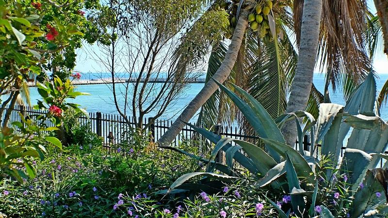 KW garden club with pier