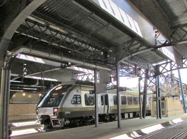 Union Pearson Express by RobertArcher