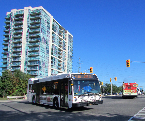 Oakville Transit Vehicles by RobertArcher