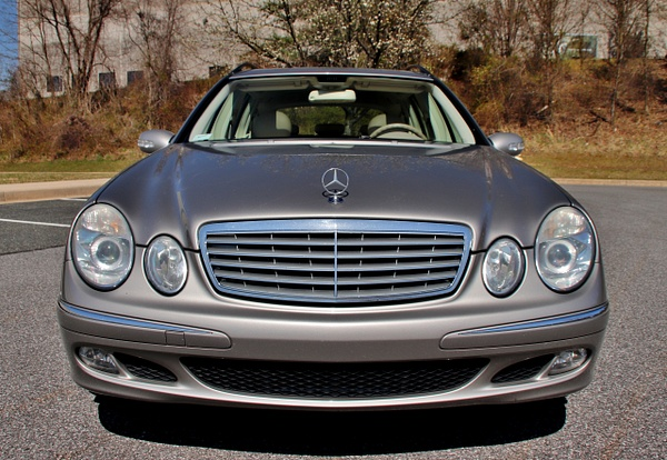 N 2005 BENZ E500 WAG by autosales