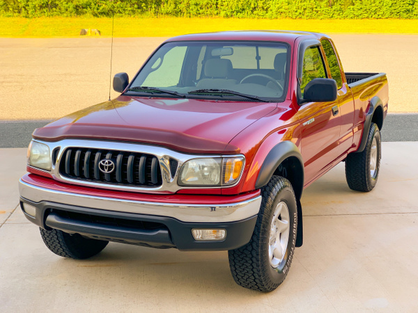 2004 tacoma red by autosales