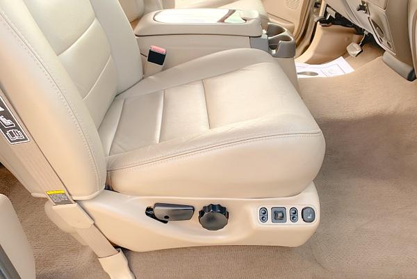 E9E45EDF-9BB2-40AB-ABD0-192FF5F9B1ED by autosales