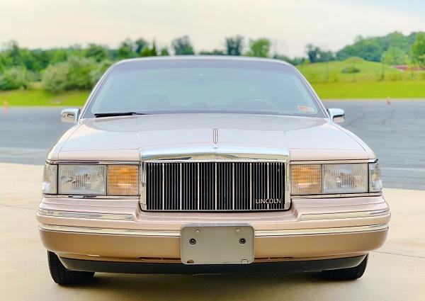90D0B94C-C3C7-48C1-B910-132621654AEE by autosales