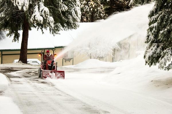 Snowblowing - 26 Jan. 2018 by Ski3pin