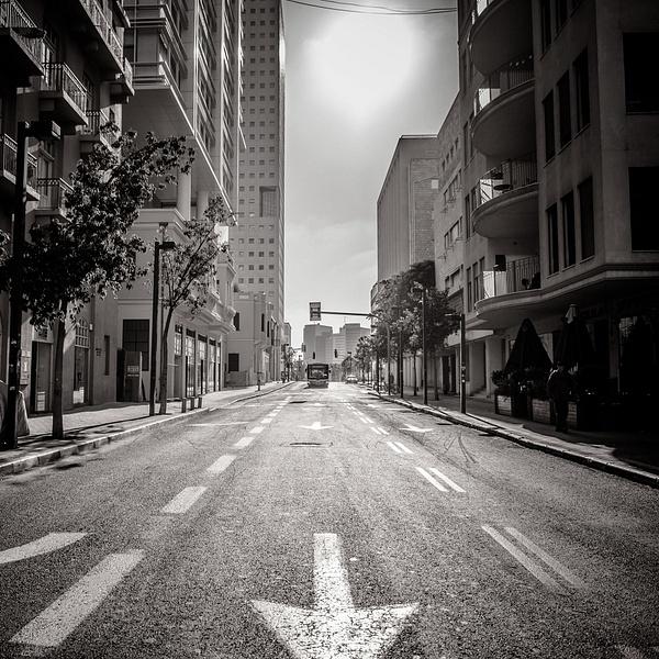 cd944b4a-0081-4eff-9c71-f4f42c88f9b7_rw_1920 - Street and Urbanica - Guy Vago Photography