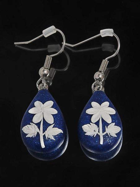 Blue-Earrings - High Quality Product Photography by Luminous Light Photography Toronto