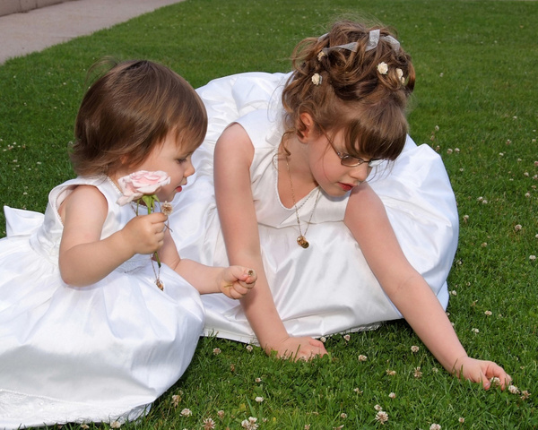 Children-Wedding-Flowergirl - Luminous Light Photo offers Wedding Photography and Video packages