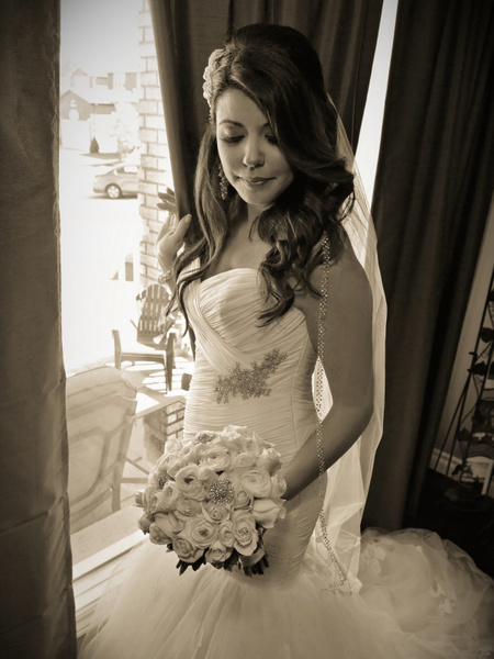 FPMO-Bride-Window-Light - Luminous Light Photo offers Wedding Photography and Video packages