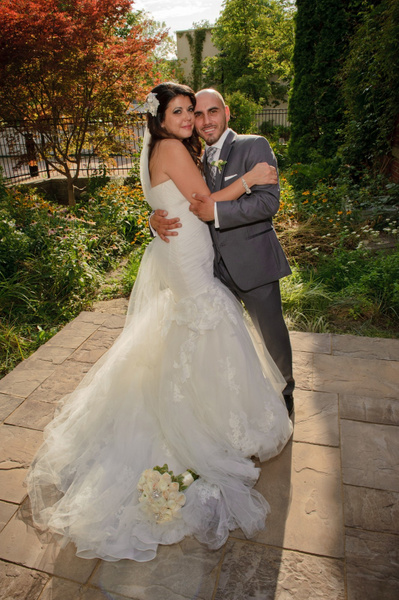 FPMO-Outdoor-Couple - Luminous Light Photo offers Wedding Photography and Video packages