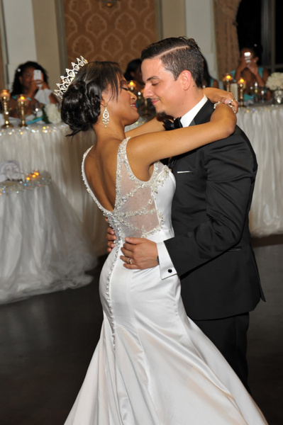 KTJT-Bride-Groom-Dance - Luminous Light Photo offers Wedding Photography and Video packages