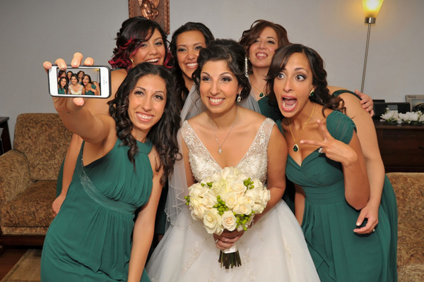 MTRF-Bridesmaids-Selfy - Luminous Light Photo offers Wedding Photography and Video packages