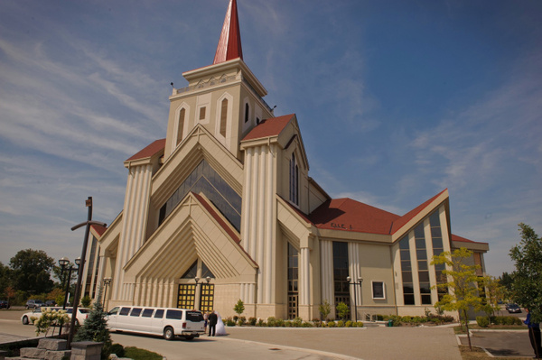 MWTB-Grand-Modern-Church - Luminous Light Photo offers Wedding Photography and Video packages