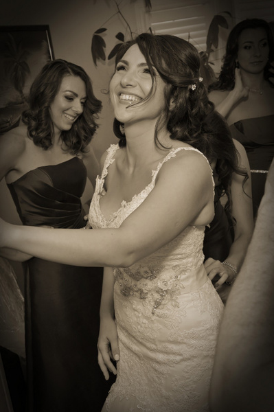 TPMS-Bride-Happy - Luminous Light Photo offers Wedding Photography and Video packages
