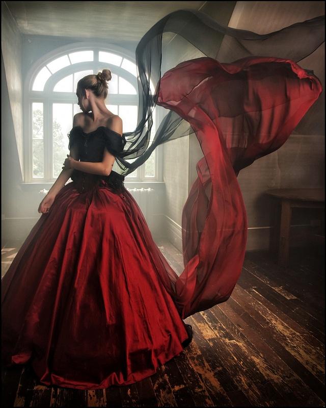 Alyssa-Vintage-Dress-Model