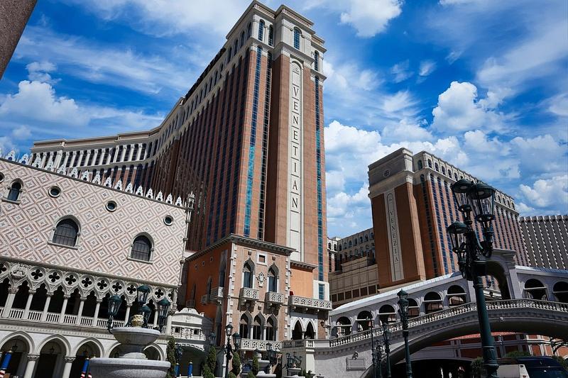 Venetian-Hotel-1